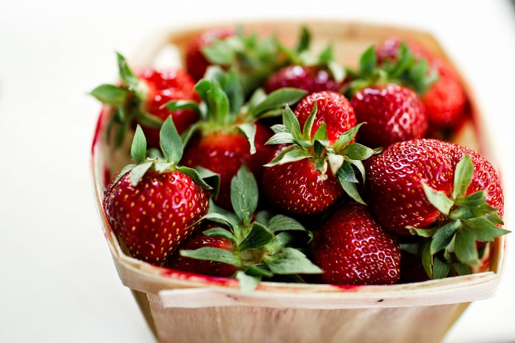 picnic-date-strawberries