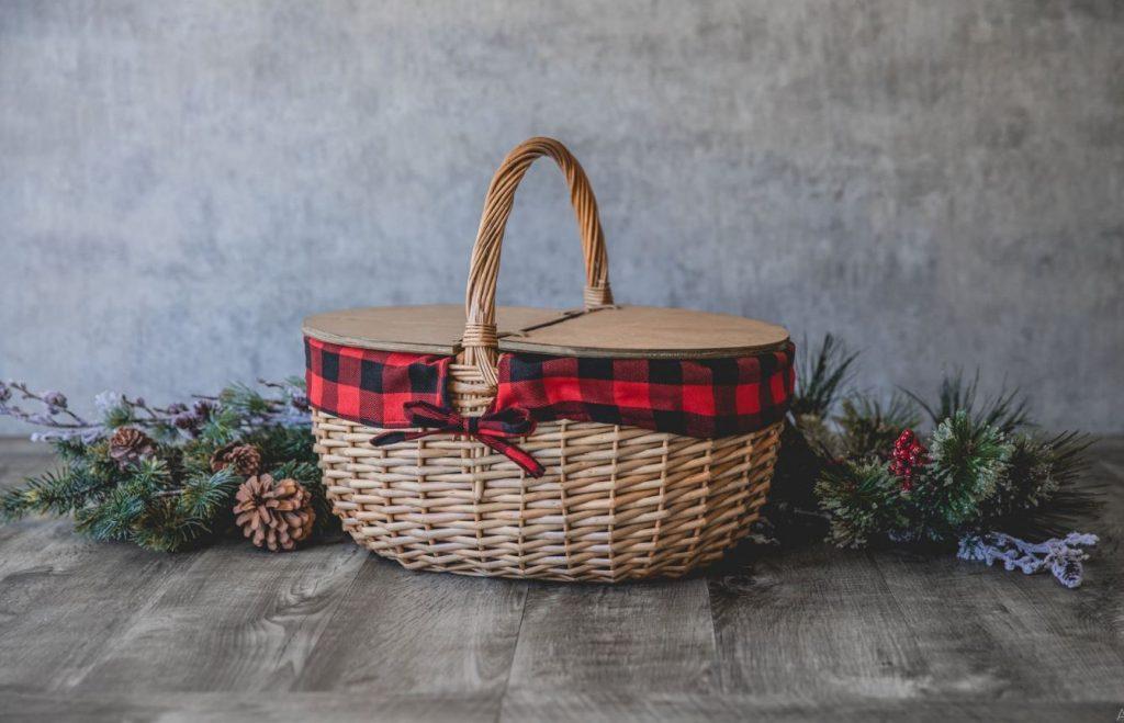 wicker picnic hamper classic
