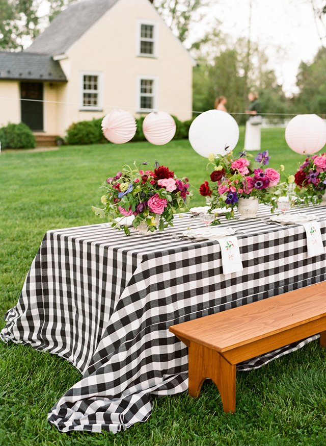 how to stop tablecloth from blowing away