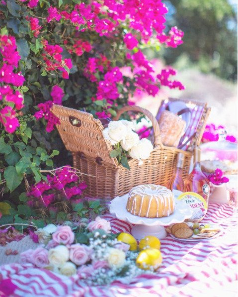 wicker picnic basket easter