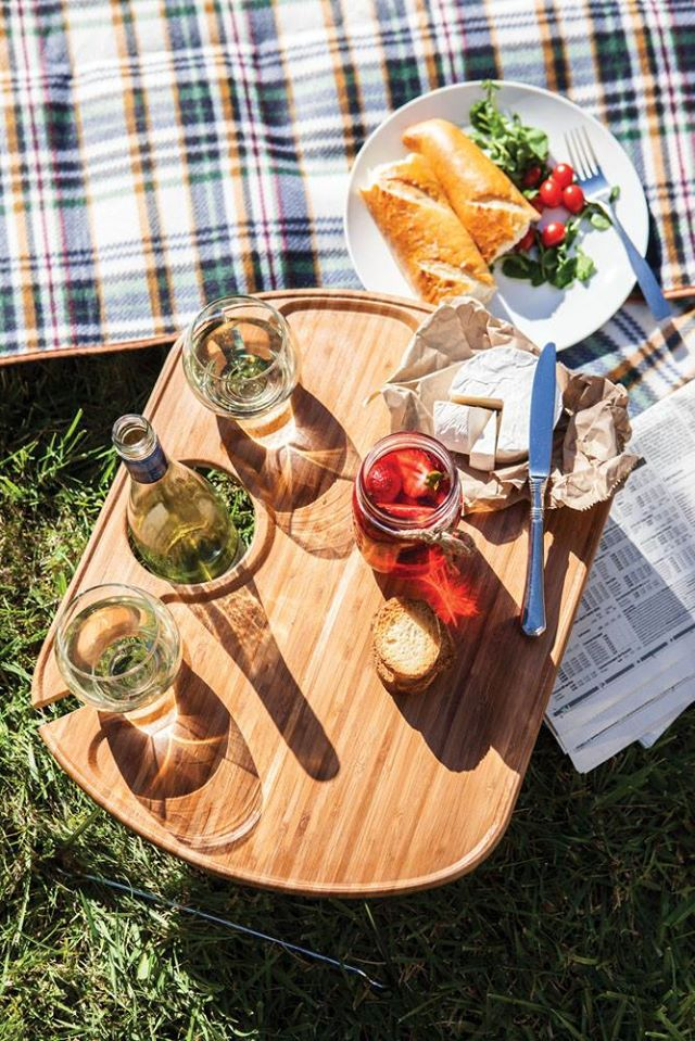 outdoor wine and snack table