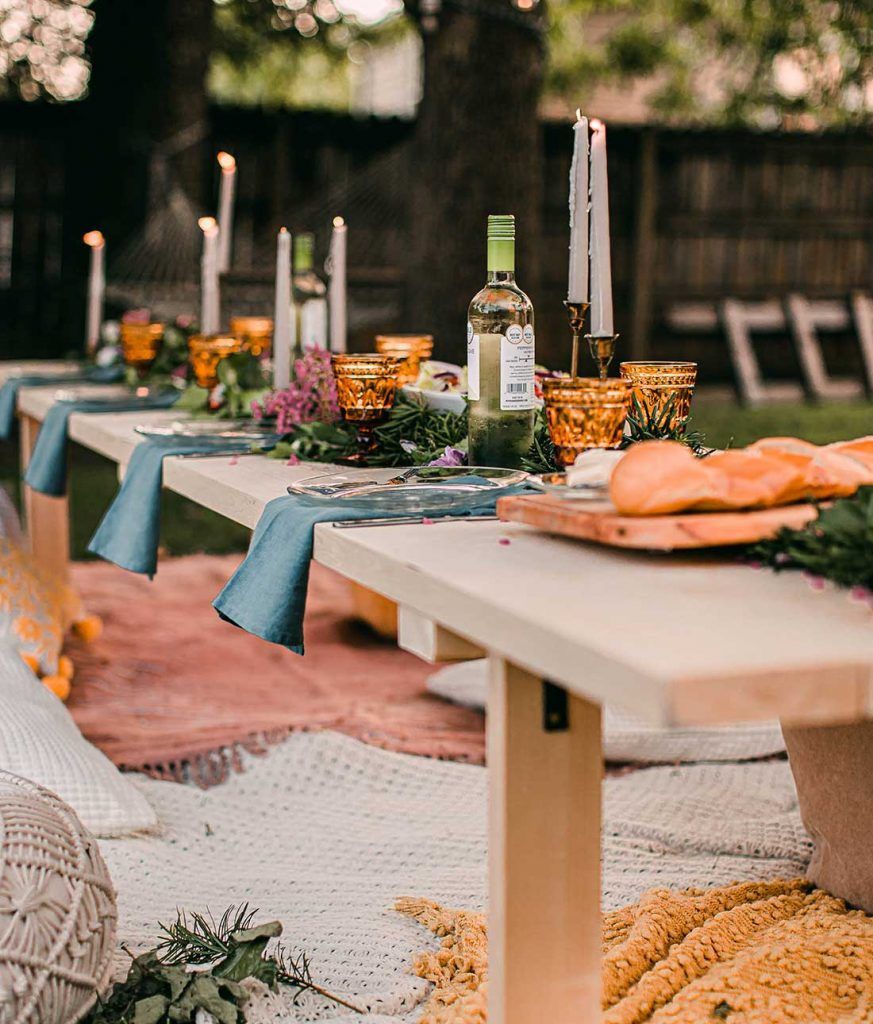 keep flies from food at outdoor party