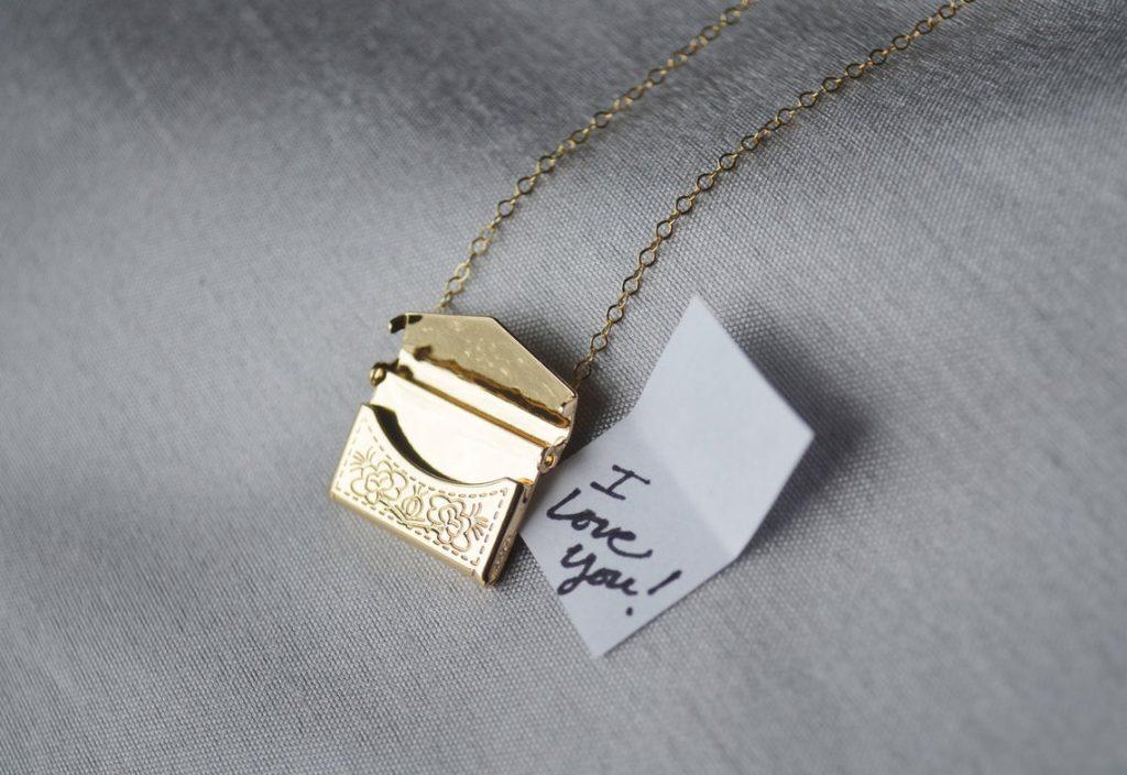 envelope golden necklace for mothers
