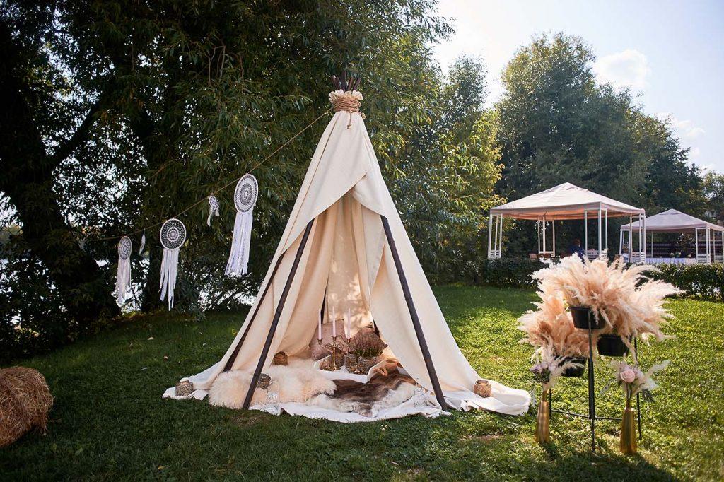 boho picnic idea tent
