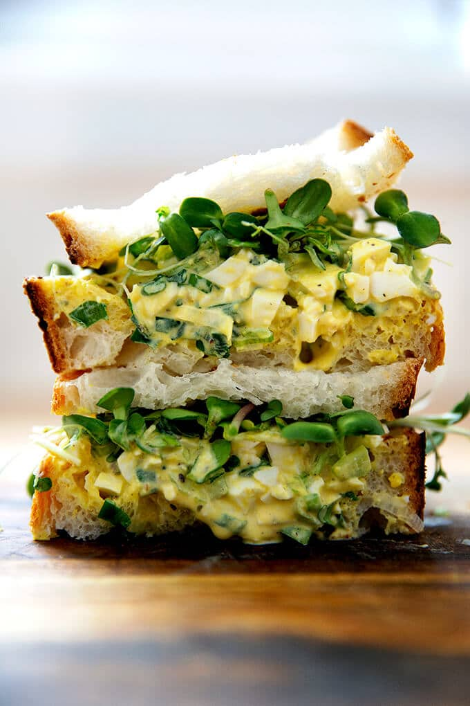 picnic egg salad sandwich
