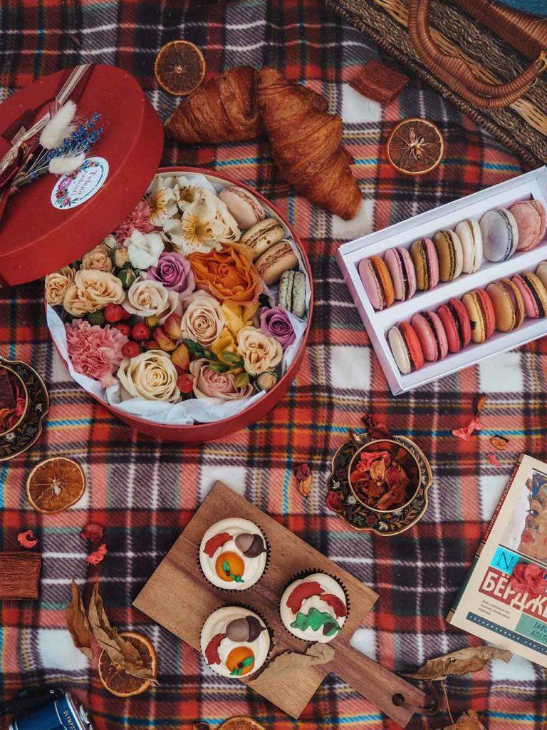 fall picnic decoration